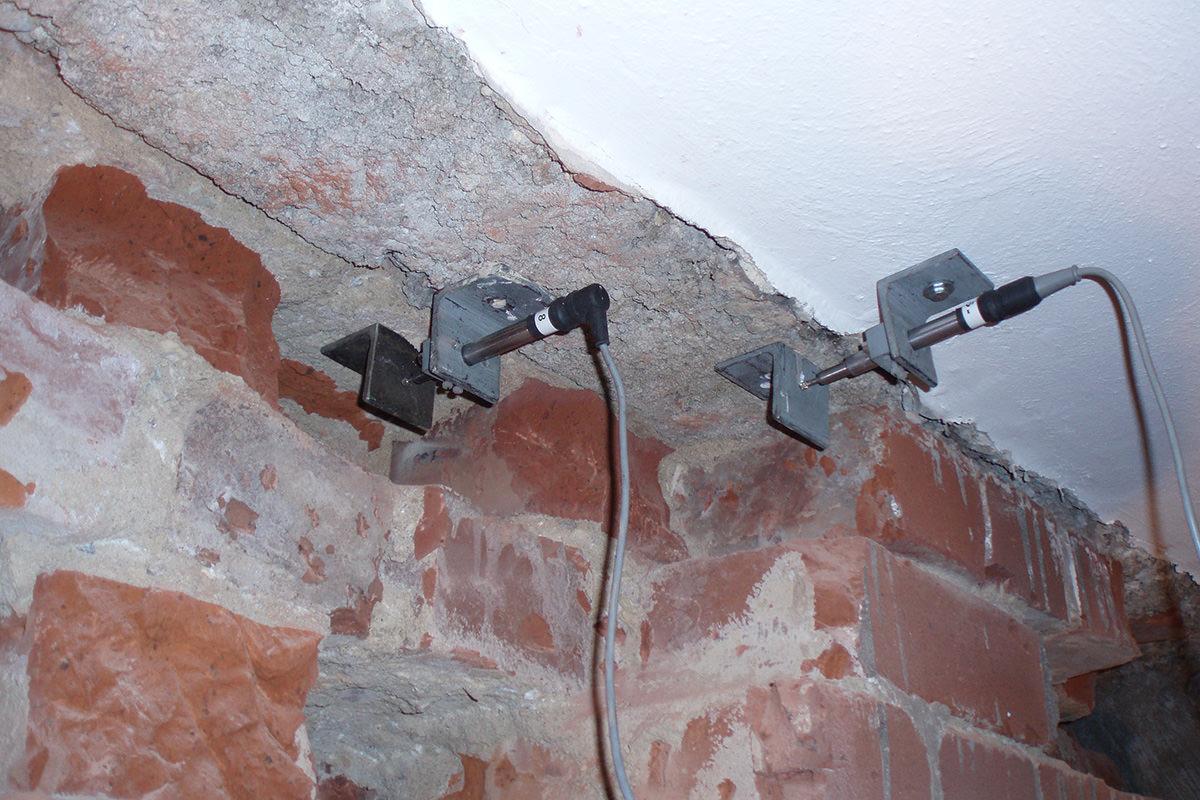 Verformungsmonitoring an historischem Mauerwerk