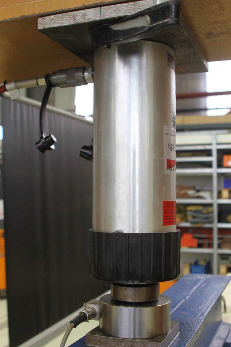 Hydraulikzylinder zur definierten Lasterzeugung