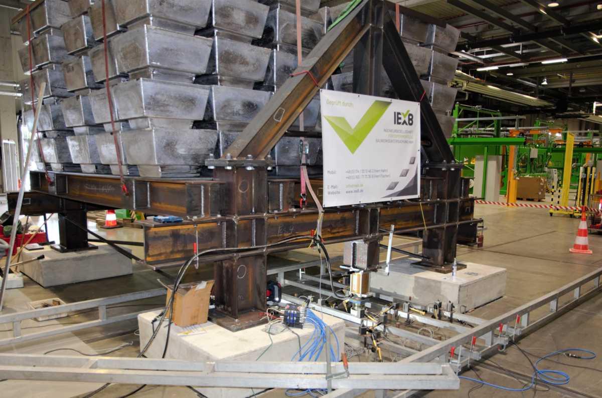 Belastungsversuch an Betonbauwerken mit 160 Tonnen Bleibarren